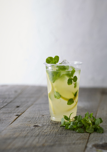 homemade_mint_lemonade